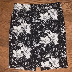 J. CREW The Pencil Skirt black and white size 4